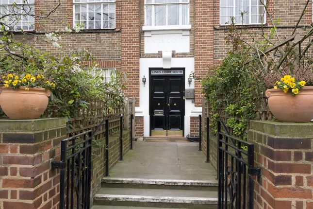 2 bed flat for sale in Kings Court South, Chelsea Manor Gardens, Chelsea, London