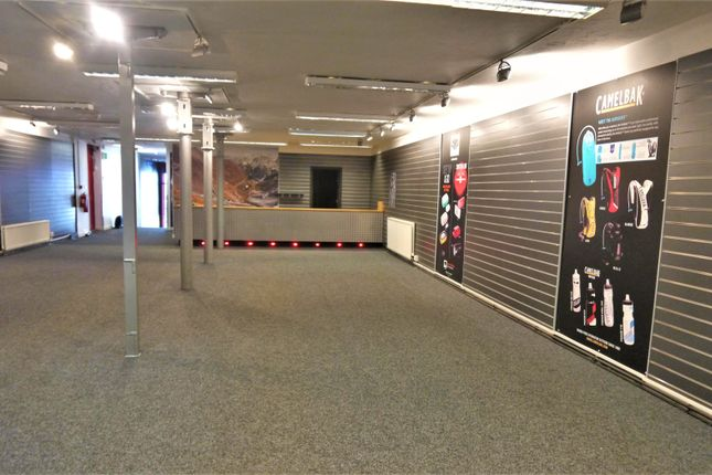 Thumbnail Commercial property for sale in Vacant Unit BD21, West Yorkshire