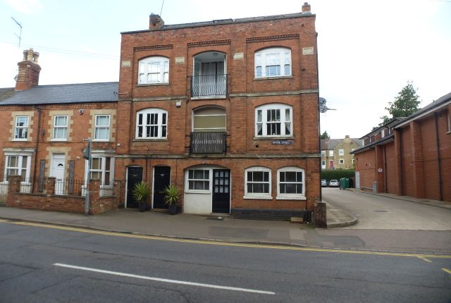 Thumbnail Flat for sale in Grove Street, Raunds, Wellingborough