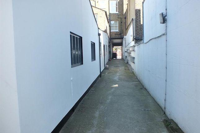 Access of Uxbridge Road, Shepherds Bush, London W12