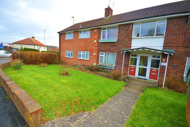 Thumbnail Flat to rent in Camrose Way, Basingstoke