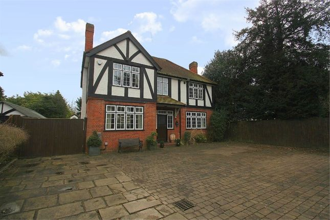 Thumbnail Detached house to rent in London Road, Datchet, Berkshire