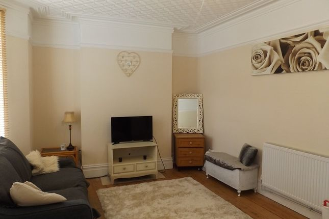 Thumbnail Room to rent in Mackworth Road, Porthcawl