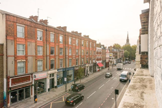 Picture No. 04 of Upper Street, Islington, London N1