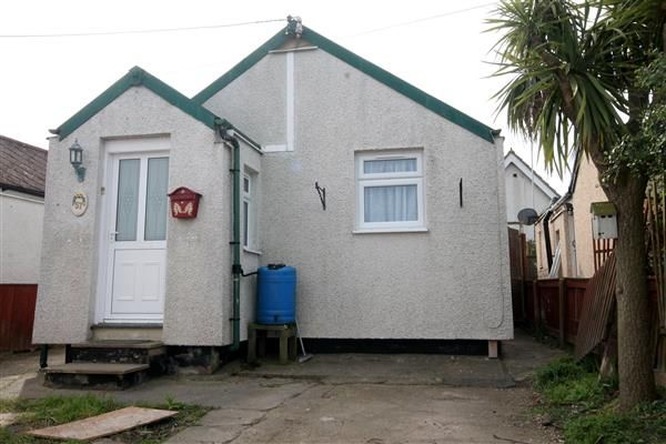 2 bed bungalow for sale in Gorse Way, Jaywick, Clacton-On-Sea