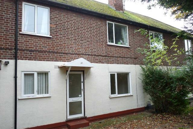 Thumbnail Flat to rent in Vale Road, Camberley, Surrey