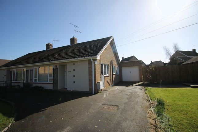 Thumbnail Bungalow to rent in Tinkers Lane, Sawtry, Huntingdon, Cambridgeshire
