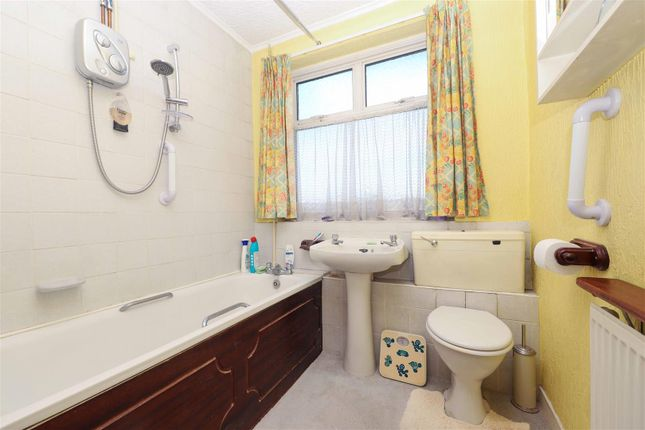 Bathroom of Grosvenor Crescent, Hillingdon UB10