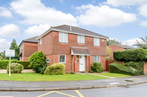 Thumbnail Detached house for sale in The Fairway, Maidenhead