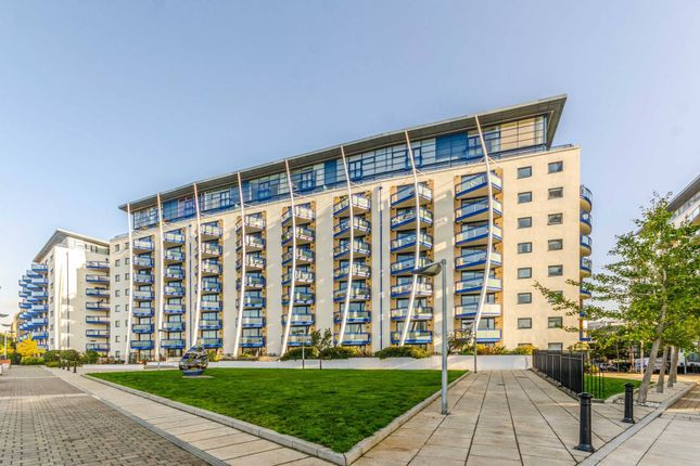 Flat for sale in Apollo Building, Isle Of Dogs, London
