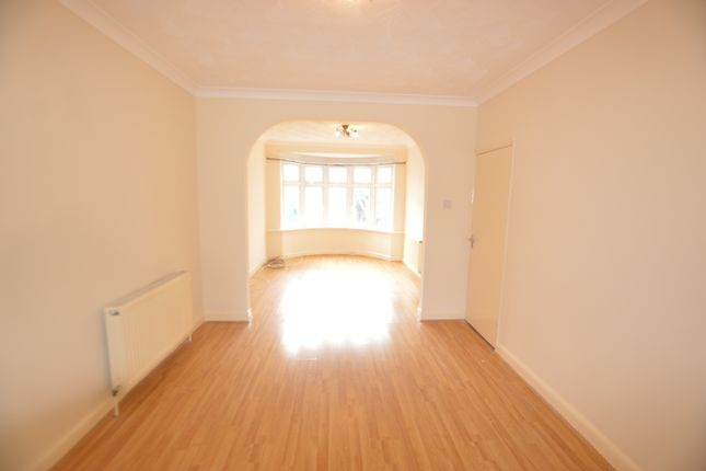 Thumbnail Terraced house to rent in Beresford Avenue, London