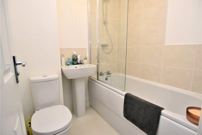 Bathroom of Ward Place, Selly Oak, Birmingham B29