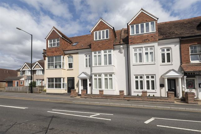 Thumbnail Town house for sale in Warwick Road, Kenilworth