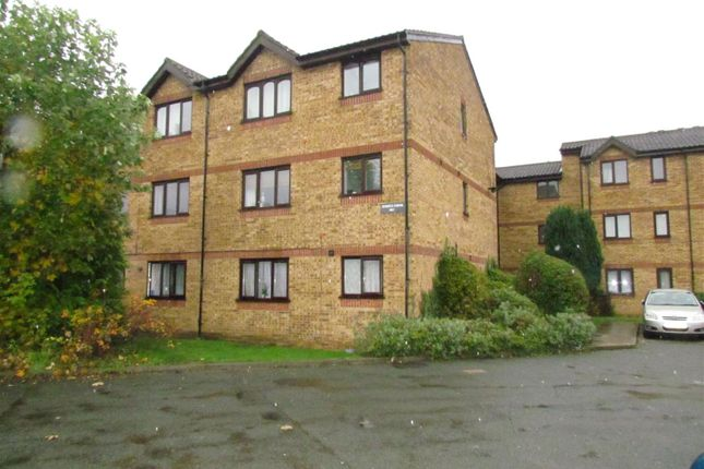 Studio for sale in Overton Drive, Chadwell Heath RM6