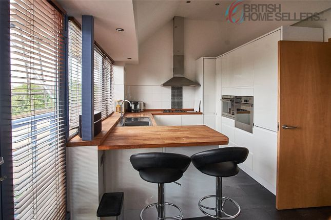 Thumbnail Flat for sale in Cumberland Road, Bristol