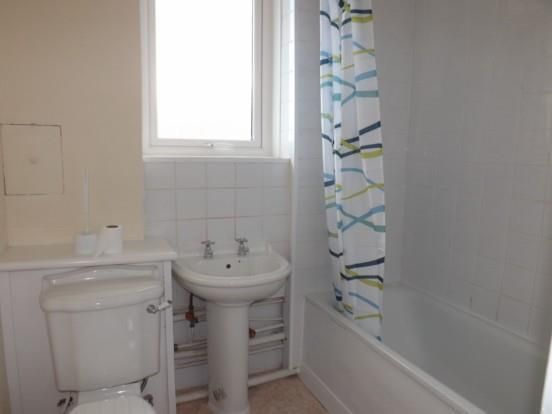 Bathroom of Western Road, Kilmarnock KA3