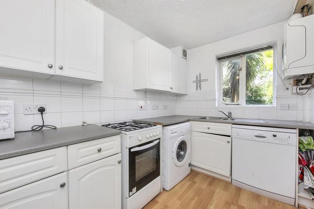 Thumbnail Semi-detached house to rent in Grimsby Grove, London