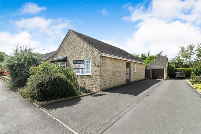 Thumbnail Bungalow for sale in Morris Road, Broadway, Worcestershire