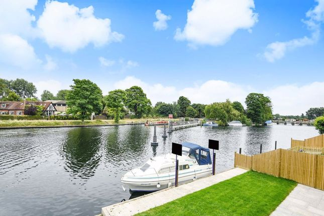 Thumbnail Detached house to rent in Riverside, Staines