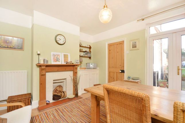 Thumbnail Cottage to rent in High Path Road, Guildford