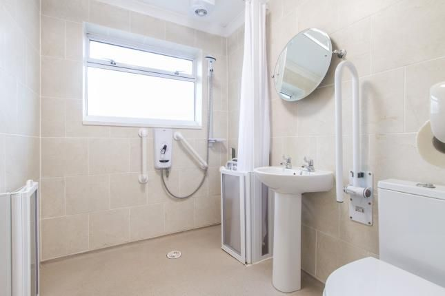 Wet Room of Tretherras, Newquay, Cornwall TR7