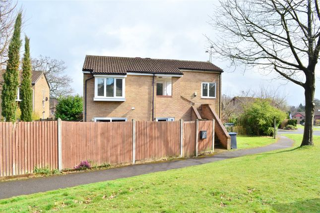 Thumbnail Flat for sale in Stuart Way, East Grinstead