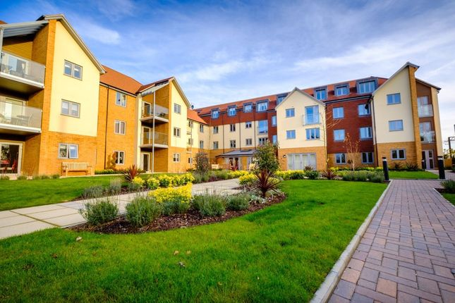 Thumbnail Flat for sale in London Road, St. Albans