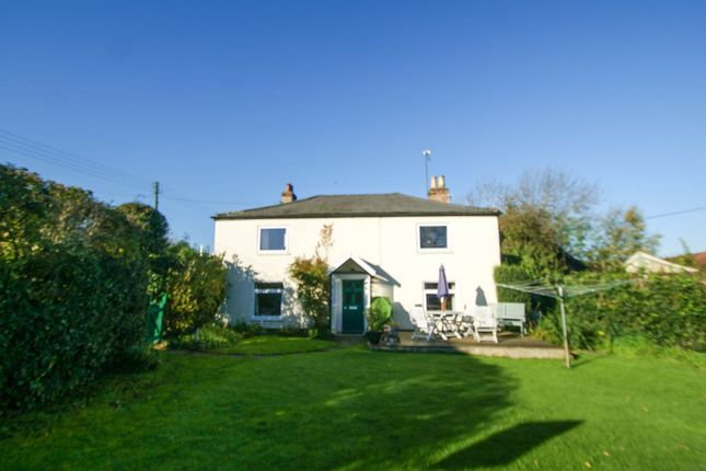 Thumbnail Detached house for sale in London Road, Halesworth