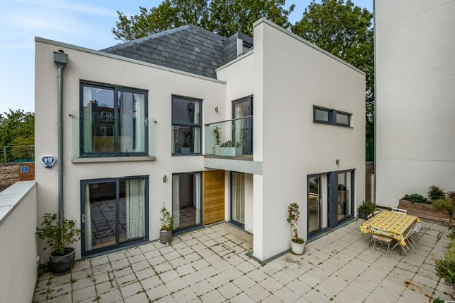 Thumbnail Detached house to rent in Montefiore Road, Hove