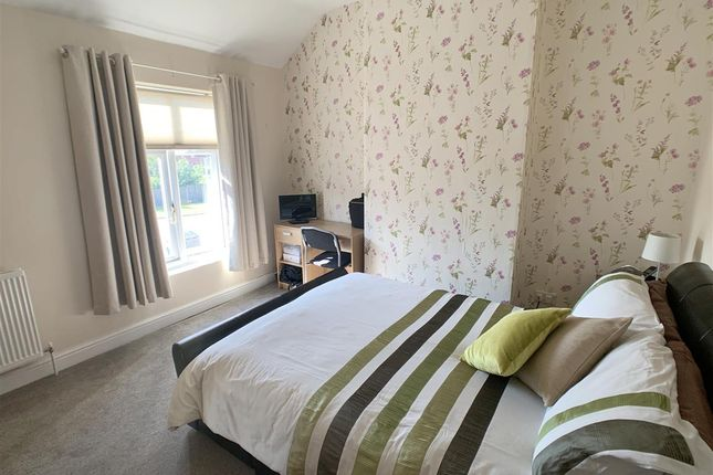 Bedroom 1 of Castle View, Stafford ST16