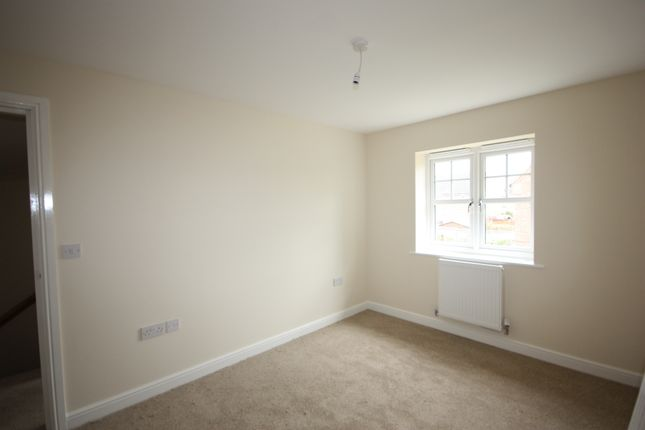 Thumbnail Town house to rent in Uttoxeter Road, Blythe Bridge