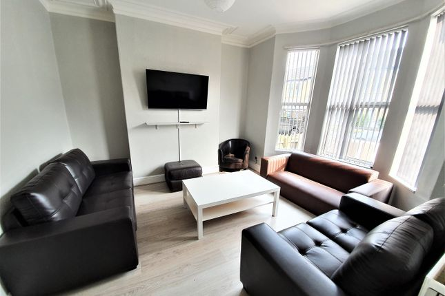 Terraced house to rent in Cranbrook Avenue, Hull