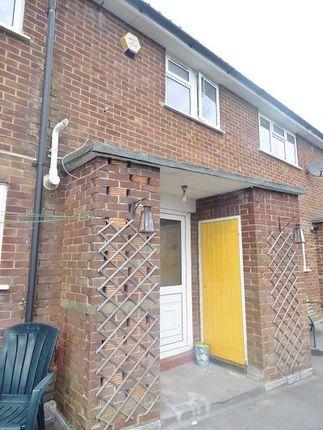 Thumbnail Maisonette to rent in Kings Road, Basingstoke