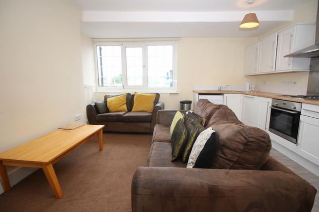 4 bed flat to rent in Eskdale Terrace, Jesmond, Newcastle Upon Tyne NE2