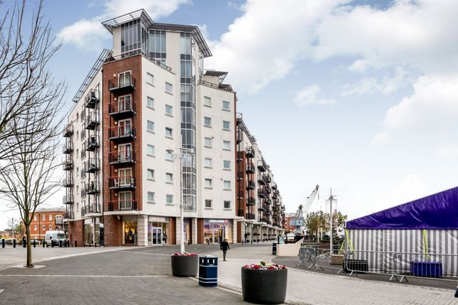 Thumbnail Flat to rent in The Canalside, Gunwharf Quays, Portsmouth