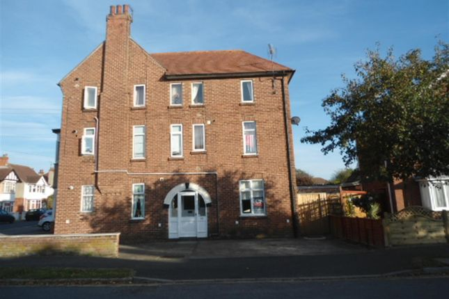 Thumbnail Flat to rent in Beresford Avenue, Skegness, Lincolnshire