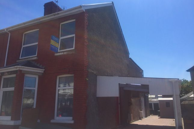 Thumbnail Maisonette to rent in Fenton Place, Porthcawl