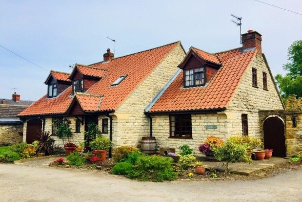 Thumbnail Cottage to rent in Pottergate, Gilling East, York