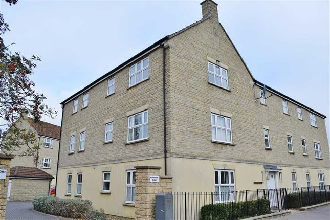 Thumbnail Flat for sale in Kingfisher Court, Calne, Wiltshire