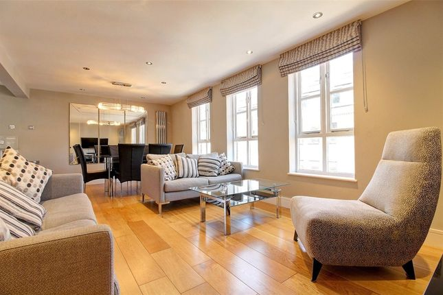 Flat to rent in Chiltern Street, London