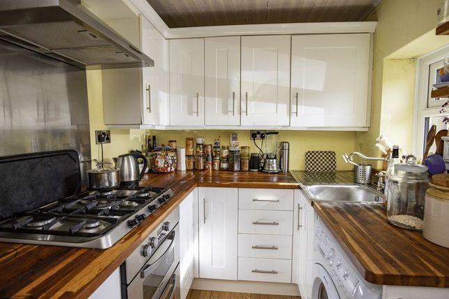 Kitchen of Dob, Sowerby, Sowerby Bridge HX6