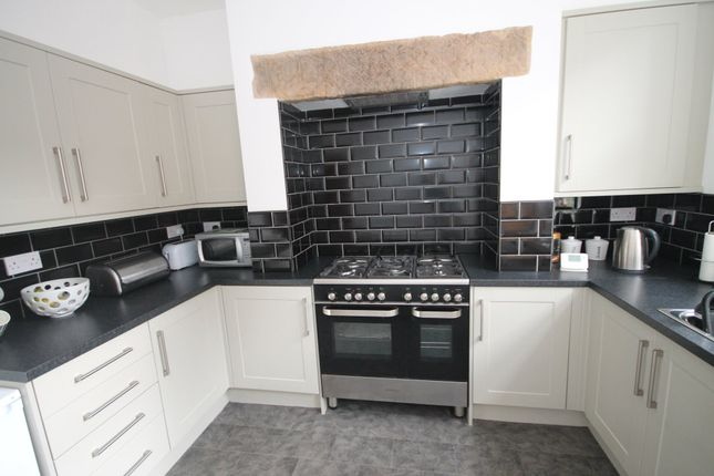 Thumbnail Terraced house to rent in Harley Street, Todmorden