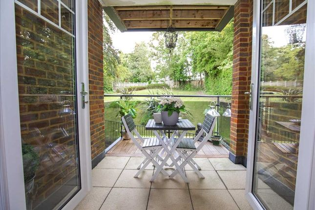 Thumbnail Flat for sale in Russell Hill, Purley