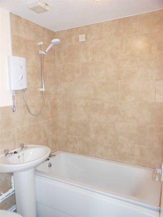 Bathroom of Baldwin Avenue, Bottesford, Scunthorpe DN16
