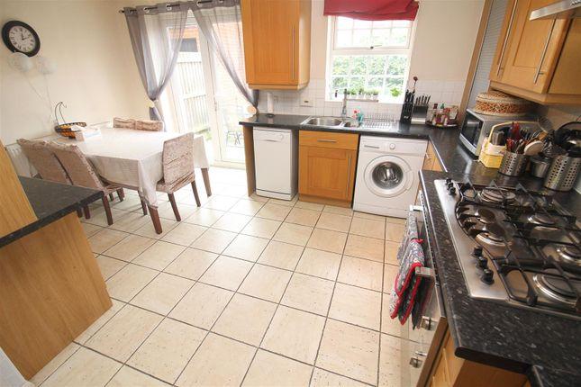 Thumbnail Town house to rent in Merman Rise, Oxley Park, Milton Keynes