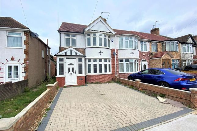 Thumbnail End terrace house for sale in Glamis Crescent, Hayes, Middlesex