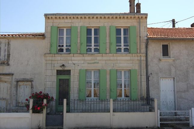 Thumbnail Property for sale in Port Des Barques, Poitou-Charentes, France