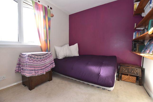 Bedroom 2 of Sandport Close, Kinross KY13