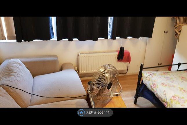 Thumbnail Room to rent in Gurnards Avenue, Fishermead, Milton Keynes