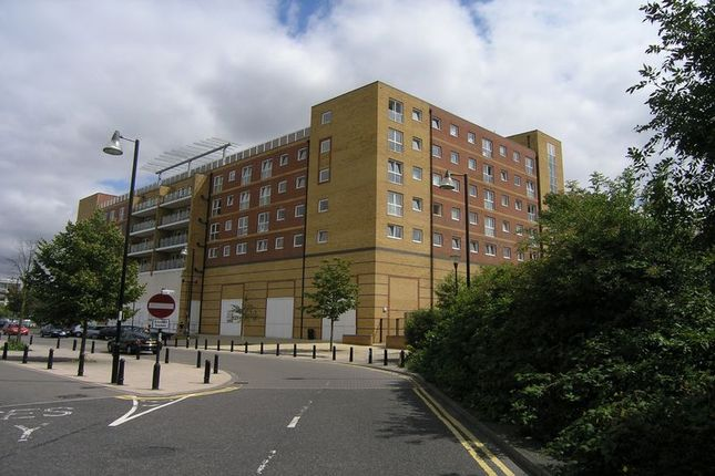 2 bed flat to rent in Mill Court, Edinburgh Gate, Harlow